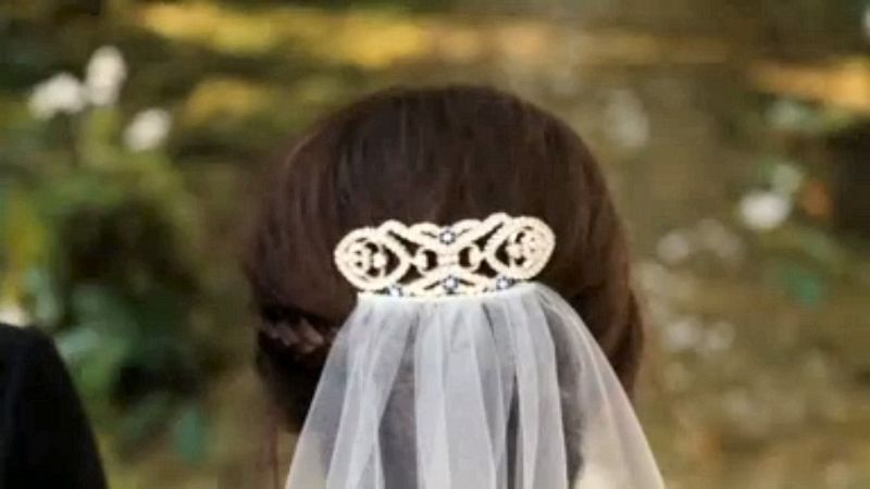 Twilight-Breaking-Dawn-Part-1-Bellas-hairpin-1024x576