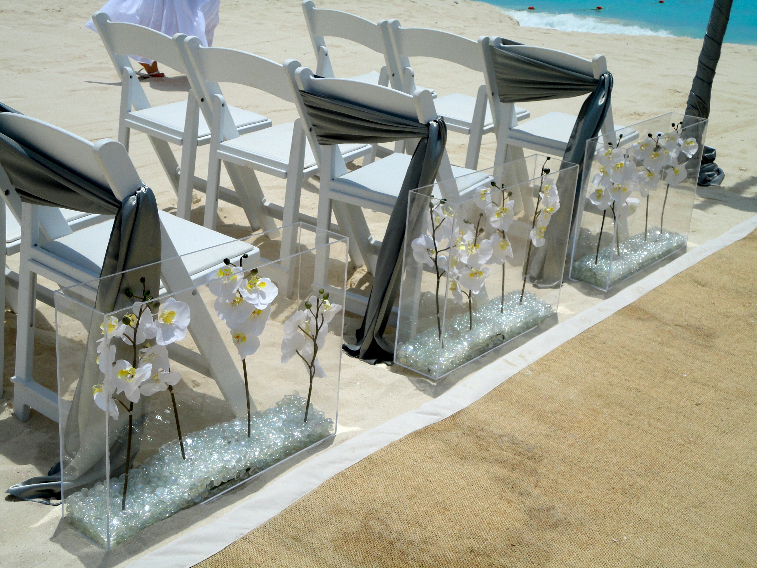Aisle Decor: Walking Down the Aisle in Style - The Wedding Planners Blog